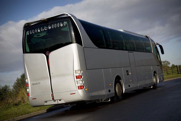 Eski Bakan otobüs şoförü oldu