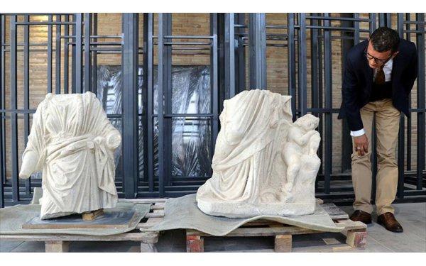 Anavarza'da 'Hygieia ve Eros' Heykeli Bulundu
