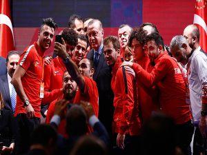 Cumhurbaşkanı Erdoğan 'Engelleri Aşanlar 2017' Ödüllerini Verdi