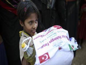 Türkiye Diyanet Vakfı 150 Bin Arakanlı Müslümana Yardım Eli Uzattı