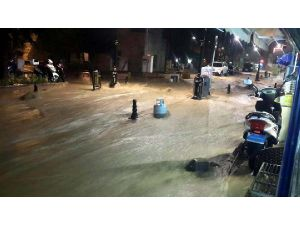 Tokat'ta Sağanak Yağış Sele Neden Oldu