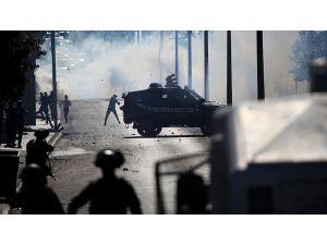 İsrail Askerlerinden Gerçek Mermi Ve Göz Yaşartıcı Gazla Müdahale