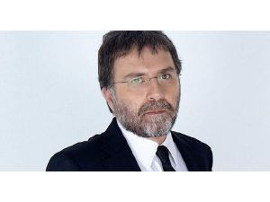 "Hürriyet Columnist Ahmet Hakan İnjured İn ""Organized Assault"""
