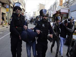 İsrail Güçleri 50 Kudüslüyü Gözaltına Aldı