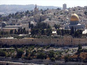 Fanatik Yahudiler Polis Eşliğinde Mescid-i Aksa'ya Baskın Düzenledi