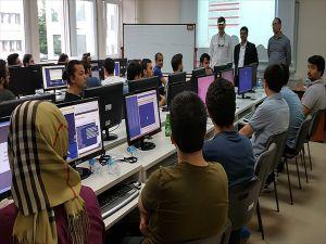 Siber Güvenliğin İnsan Gücü Ücretsiz Kamplarda Yetişiyor
