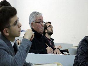 'Hasan Komutan' 49 Yıl Sonra Yeniden Fakültede
