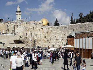 İsrail Burak Duvarı'nda Yeni Bir Sinagog Açtı