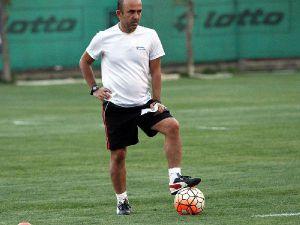 Gençlerbirliği Teknik Direktörü Mehmet Özdilek: Futbolda Vefa Yok