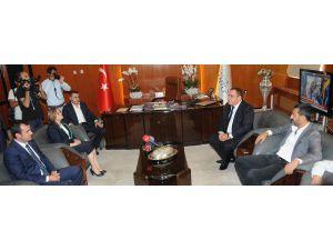 Gaziantepspor Başkanı Kızıl'dan, Büyükşehir Belediye Başkanı Fatma Şahin'e Ziyaret