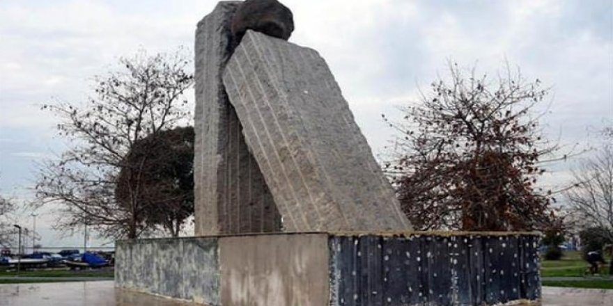 İzmir'de şehitlere büyük ayıp!