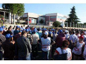 Aliağa'da Boya Fabrikası İşçilerinin Eylemi Sürüyor