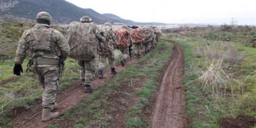 5 km girip, 11 köyü kurtardılar!
