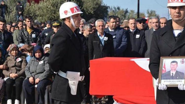 Afrin şehidini binlerce kişi uğurladı
