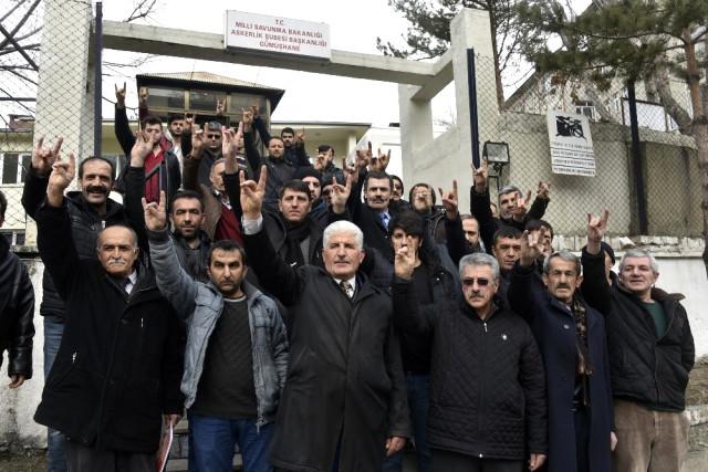 MHP ve Ülkü Ocakları Mensupları Gümüşhane'de Gönüllü Askerlik Başvurusu Yaptı