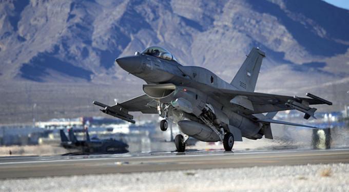 Savaş uçakları peş peşe havalandı!