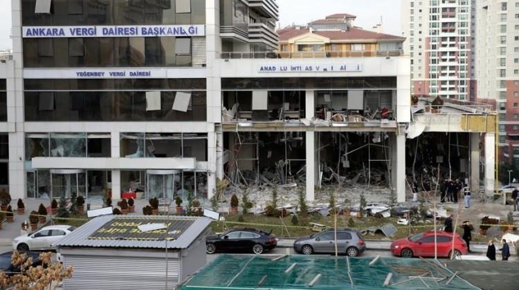 Ankara Valiliği: Patlayan bombaydı! Bombacı öldü!
