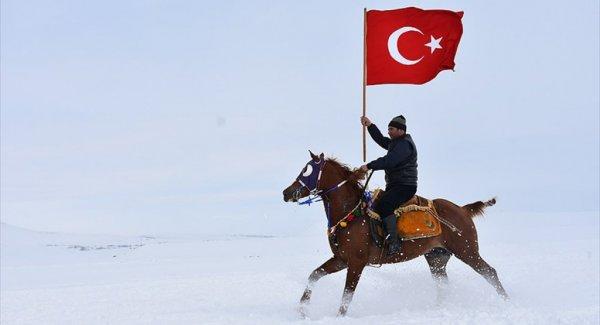 Çıldır Gölü Kış Şölenine Hazır