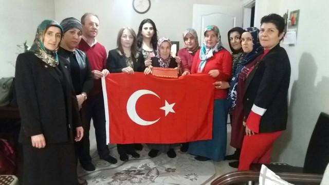 MHP Kadın Kolları Şehit Annelerini Ziyaret Etti