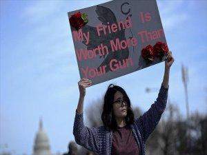 ABD'de Yüz Binler Silah Karşıtı Protestolarda Birleşti