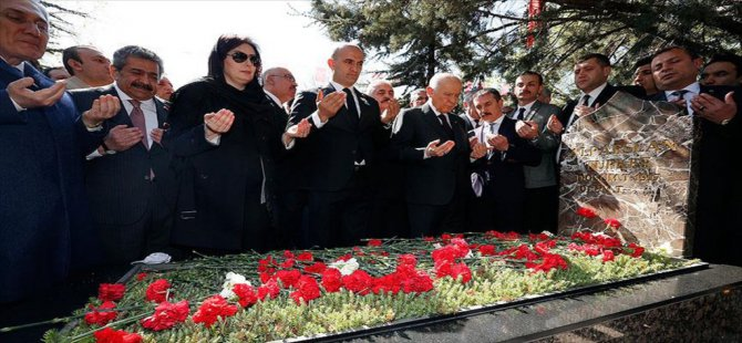 Başbuğ Alparslan Türkeş mezarı başında anıldı