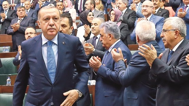 Bugün Bahçeli'yle görüşecek! Başbakan Yıldırım ve kurmayları Meclis'te topladı