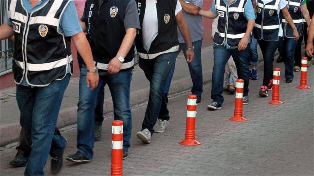 İzmir'de Fetö'nün Hücre Evlerine Operasyon: 72 Gözaltı