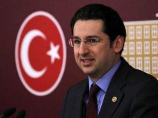 Eski CHP'li Hakan Atilla'ya verilen cezayı kutluyor