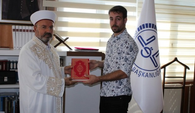 Fransız genç Müslüman oldu! Peygamber ismi aldı