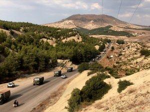 Suriye Sınırına Komando İle Askeri Araç Sevkiyatı