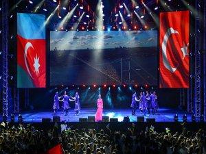 Anadolu Ateşi, Bakü'nün 100. Kurtuluş Günü İçin Parladı