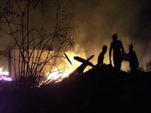 Kastamonu'da Yangın: 8 Ev Kullanılamaz Hale Geldi
