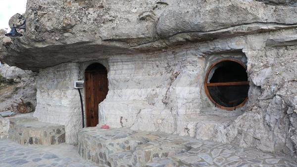 3 Bin 200 Yıllık Kaya Evleriyle Tarihe Yolculuk