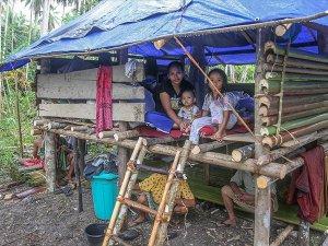 Endonezya'daki Depremzedelere İlk İnsani Yardım TDV'den