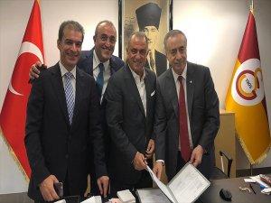 Galatasaray, Fatih Terim'in Sözleşmesini Uzattı