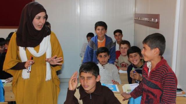 BOMBA İDDİA! Yüz binler atama beklerken 900 Suriyeli öğretmen atandı