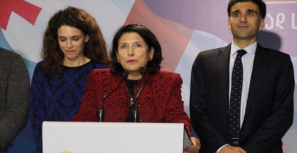 Gürcistan İlk Defa Kadın Cumhurbaşkanı Seçti