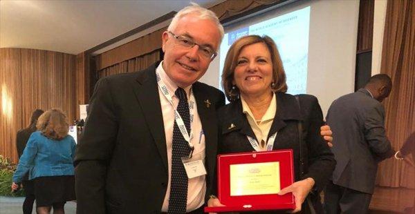 Dünya Bilimler Akademisi 2018 Tıp Ödülü Prof. Dr. Seza Özen'e Verildi