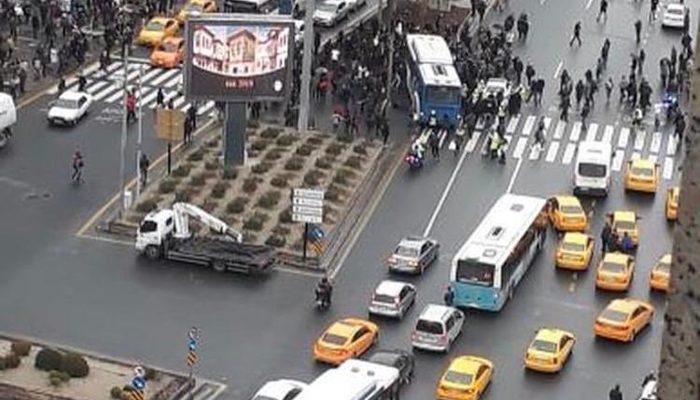 Ankara'da otobüs kazası! Yayaların arasına daldı, yaralılar var