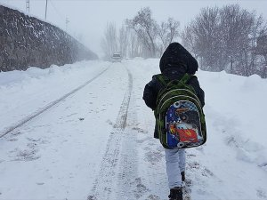 Eğitime Bir Günlük Kar Engeli