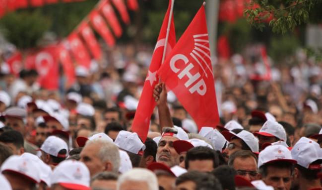 CHP'liler Kılıçdaroğlu'na karşı yürüyüş başlattı!