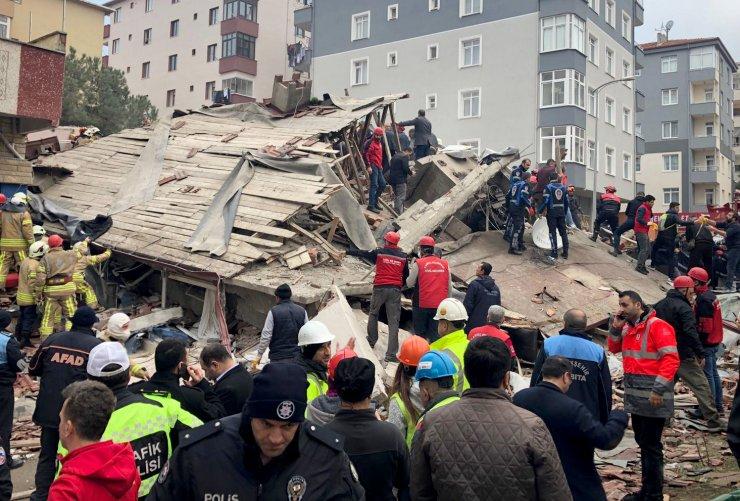 Kartal'da çöken binada ölü sayısını ve isimleri Süleyman Soylu açıkladı