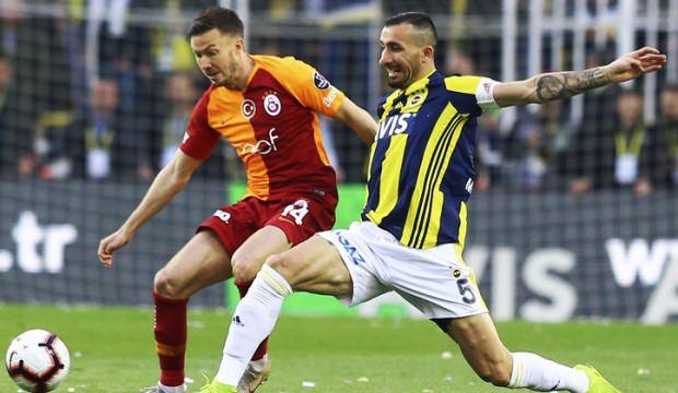 Fenerbahçe ile Galatasaray Kadıköy'de 1-1 berabere kaldı.