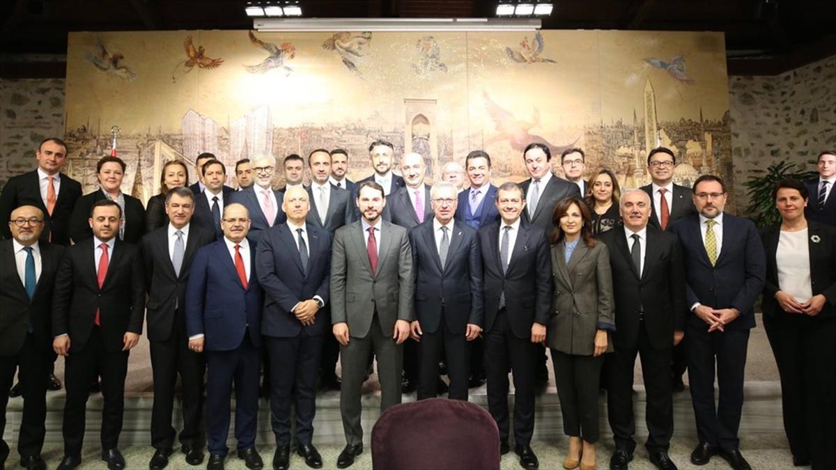 Hazine Ve Maliye Bakanı Albayrak Bankacılarla Toplantı Yaptı
