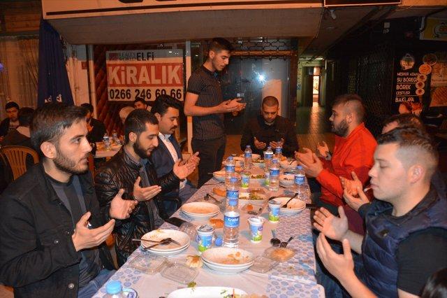 Balıkesir Ülkü Ocaklarının Geleneksel Sokak İftarları