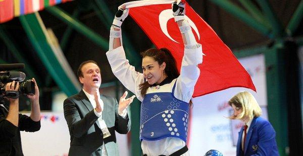 Tekvandoda İrem Yaman Dünya Şampiyonu