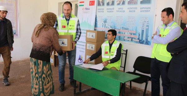 TİKA'dan Tacikistan'da Gıda Yardımı