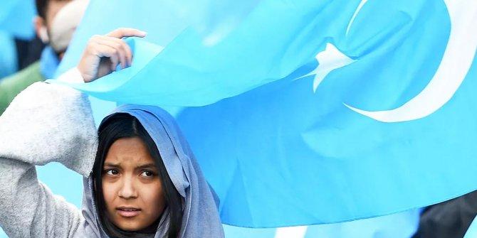 Milyonlarca Suriyeliyi besleyen hükümet Uygur Türk'ü kadını sınır dışı etti