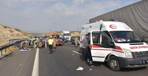 Bayram Tatilinde Trafik Kazaları 50 Can Aldı