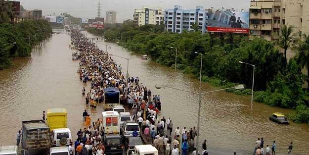 Hindistan'da felaket büyüyor: 350 ölü